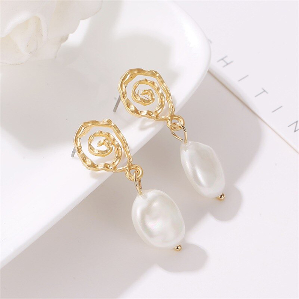 Fancy Spiral Gold Plated Party Jewellery Ear Tops