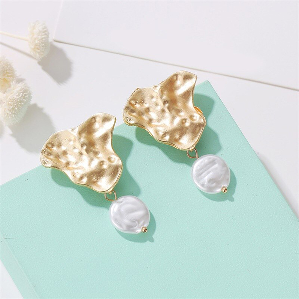 Gold Plated Stuff Pearl Earrings Pair