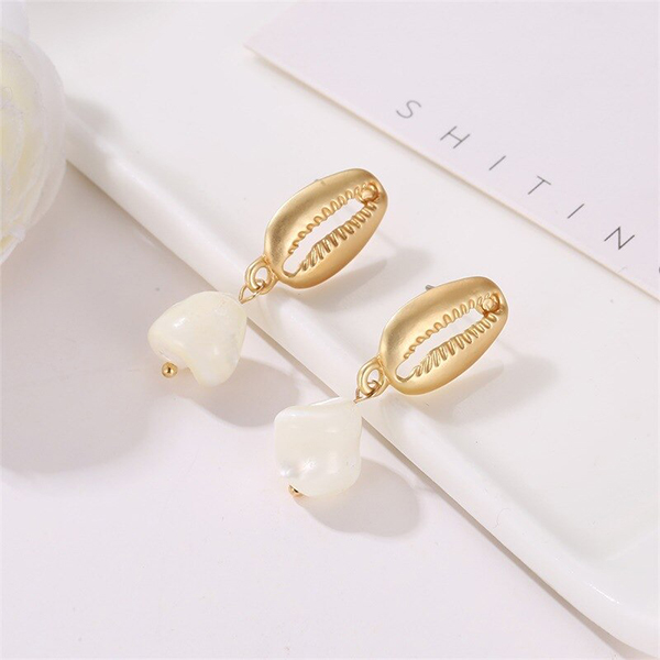 Shell Carved Gold Plated Ear Tops