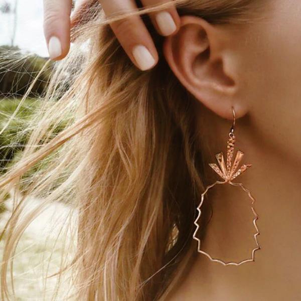 Pineapple Engraved Golden Earrings Pair - Golden