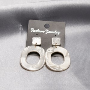 Marble Textured Acrylic Spiral Earrings Pair - White