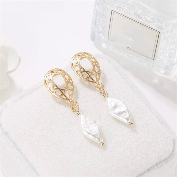 Hollow Pearl Vintage Pearl Ear Jewellery Tops