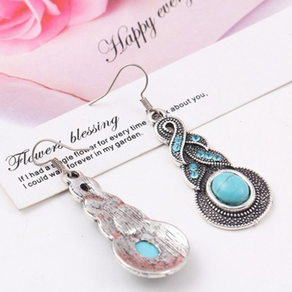Artistic Crystal And Rhinestone Earrings For Women