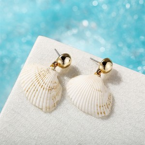Sea Shell Round Pearl Drop Two Pieces Women Earrings Pair