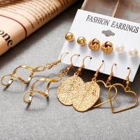 Multi Shaped Wedding Wear Ear Jewellery Sets