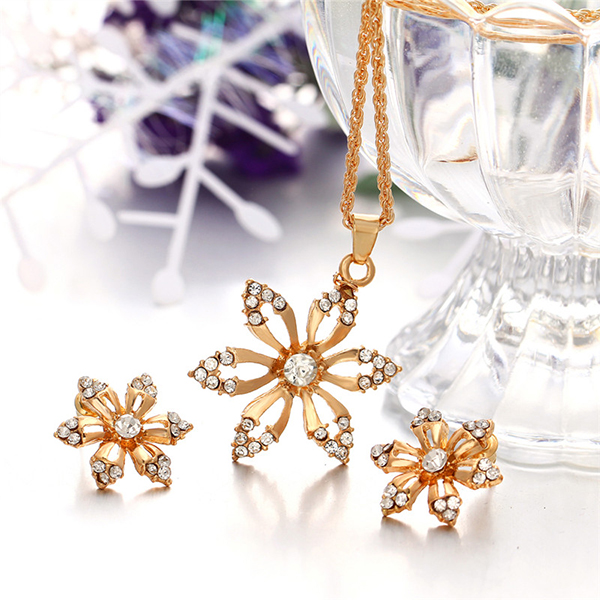 Floral Engraved Gold Plated Crystal Jewellery Set