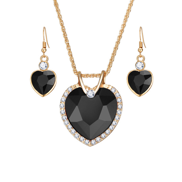 Heart Shaped Black Crystal Pendant With Tops