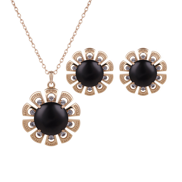 Black Flower Pendant With Cute Tops