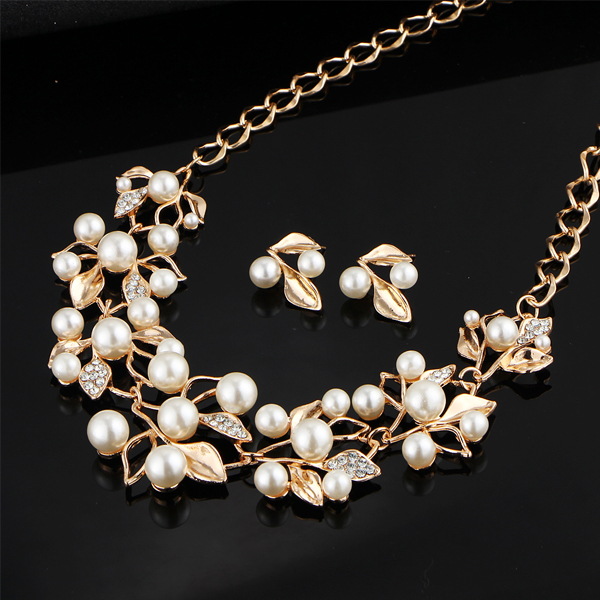 Pearl And Crystal Decorated Golden Jewelry Set