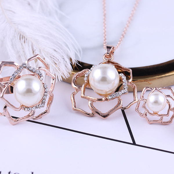 Gold Plated Pearl Decorated Jewellery Set