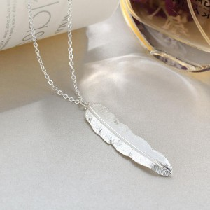 Simple Fashionable Long Feather Pendant Necklace Silver