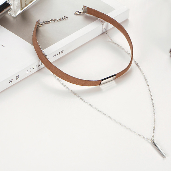 Simple Beauty Brown Choker Necklace With Bar Pendant