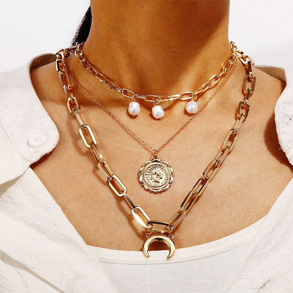 Rope Chain Gold Plated Party Wear Pendent Necklace