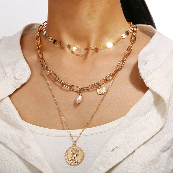 Coin Pendant Women Fashion Elegant Necklace - Gold Plated