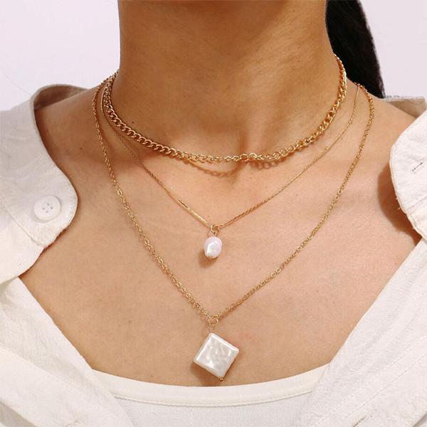 Rhinestone Multi Layered Pendant Necklace - Golden
