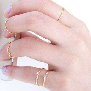 Casual Wear Five Pieces Crystal Rings Set - Golden