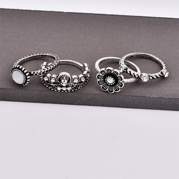 Engraved Four Pieces Silver Plated Rings Set
