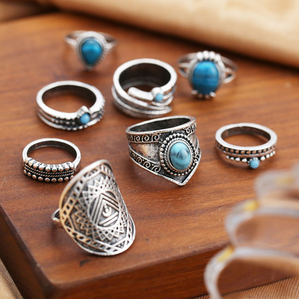 Eight Pieces Engraved Rhinestone Rings Set