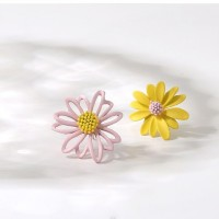 Floral Shaped Hooked Women Fashion Earrings Pair - Pink