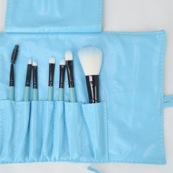 New Sky Blue Seven Pieces Brushes Kit For Women