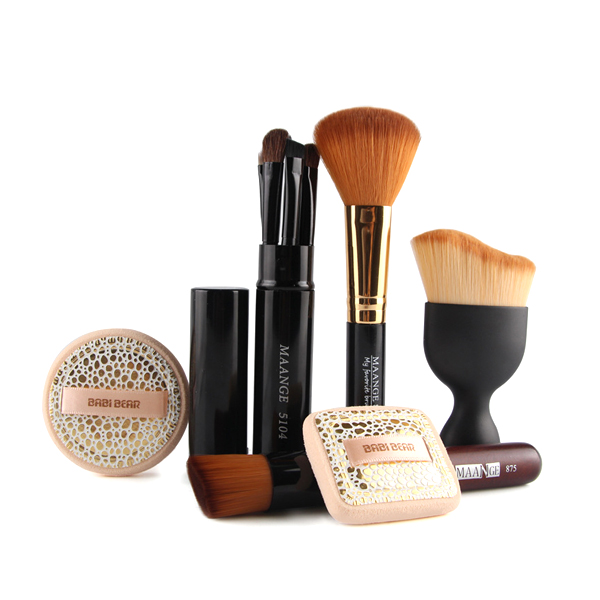 Premium Quality Six Pieces Makeup Brushes With Puffs