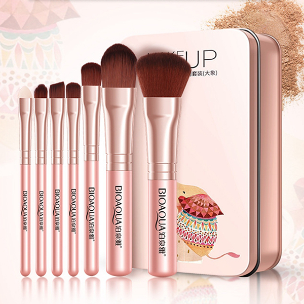 Seven Pieces Quality Apricot Makeup Brushes Set