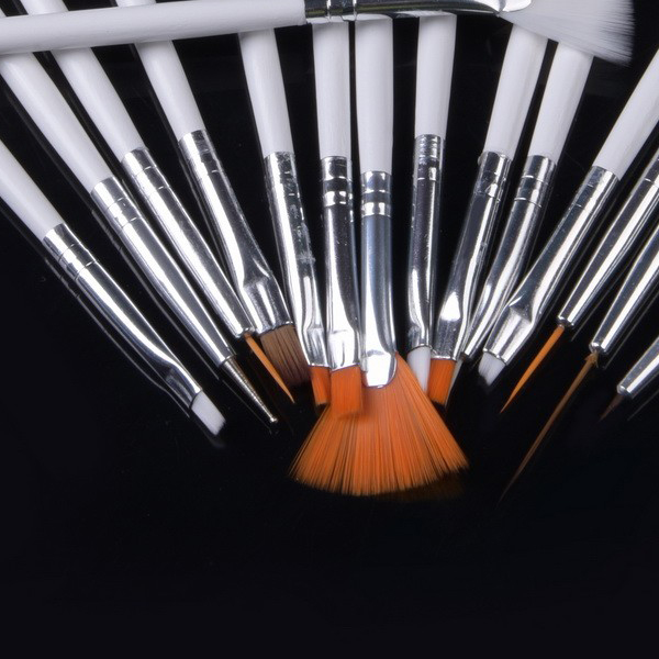 15 Pieces Brush Set With Nail Decoration Tool - White