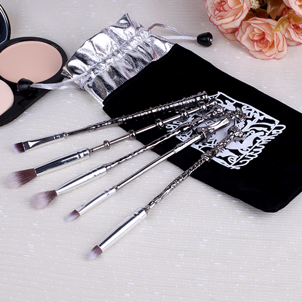 Magical Fancy Shaped Five Pieces Makeup Brushes