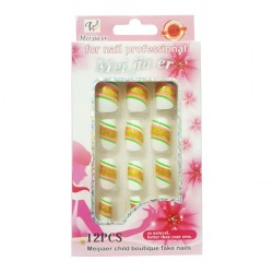Vertical Lines Beautiful Pattern Artificial Nails For Women