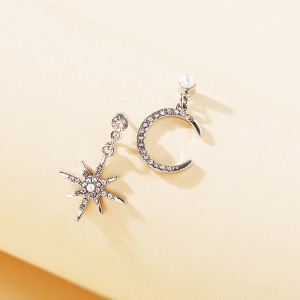 Star Moon Shaped Crystal Patched Creative Earrings Pair - Silver