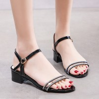 Buckle Closure Thick Bottom Fashion Sandals - Black