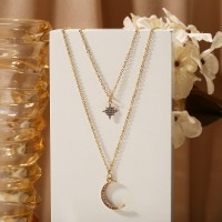 Woman Rhinestone Pendant Necklace - Golden