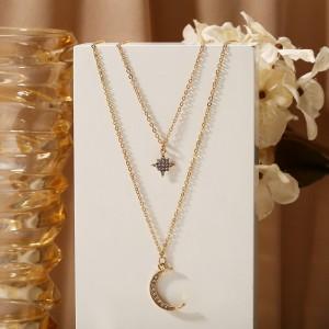 Woman Rhinestone Pendant Necklace - Golden