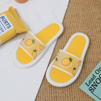 Printed Strawberry Rubber Sole Flat Summer Slippers - Yellow