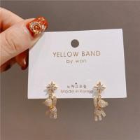 Girls Little Bear Rhinestone Earrings - Golden