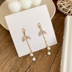 Girls Mermaid Fishtail Pearl Earrings - Golden