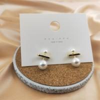 Girl Fashion Pearl Earrings - Golden