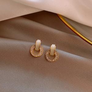 Ladies Elegant Rhinestone Round Earrings - Golden