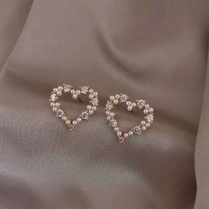 Heart Pearl Fashion Girls Earrings - Golden