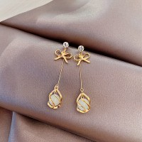 Crystal And Bow Girls Earrings - Golden