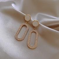 Rhinestone Oval Elegant Ladies Earrings - Golden