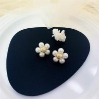 Flower Pearl Elegant Ladies Earrings - Golden