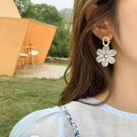 Ladies Fashion Flower Earrings - White