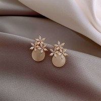 Woman Flower Crystal Elegant Earrings - Golden