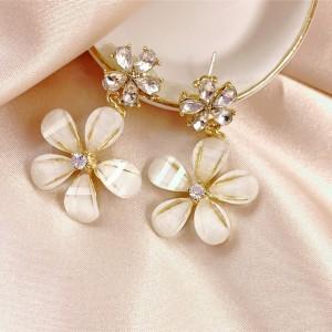Elegant Flower Crystal Girls Earrings - Golden