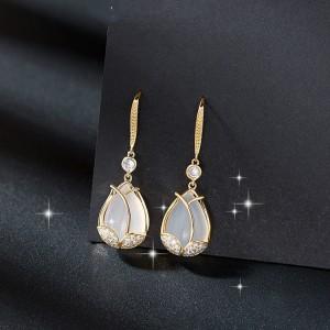 Girls Crystal Water Drop Earrings - Golden