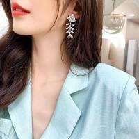 Girls Rhinestone Fishbone Earrings - Golden