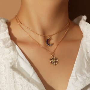 Woman Moon And Sun Double Layer Necklace - Golden