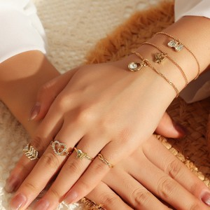 7 Pieces Girls Butterfly Bracelets Ans Rings Set - Golden