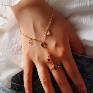 Woman Retro Star Gold Plated Bracelets - Golden